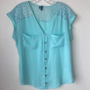 4/$25 Maurice's Button Down Lacy Top size Medium
